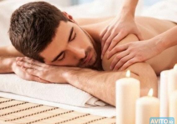 Massaggio rilassante con olio caldo
